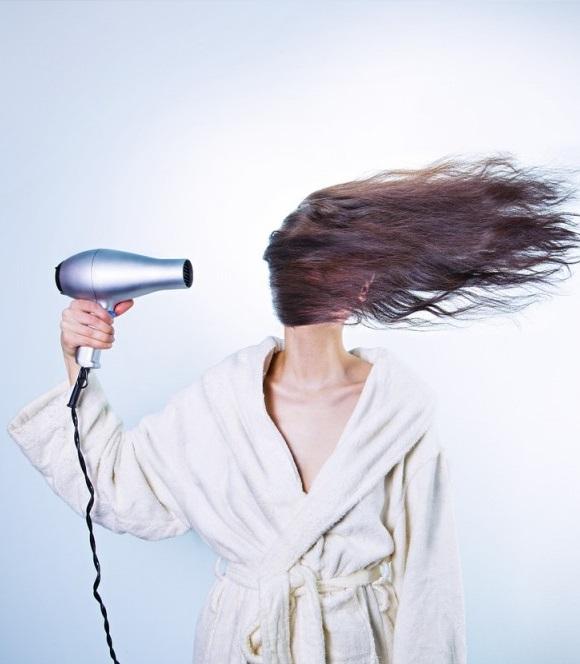 Asciugare una parrucca
