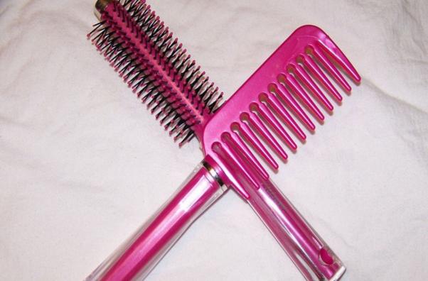Come pettinare i capelli per non spezzarli