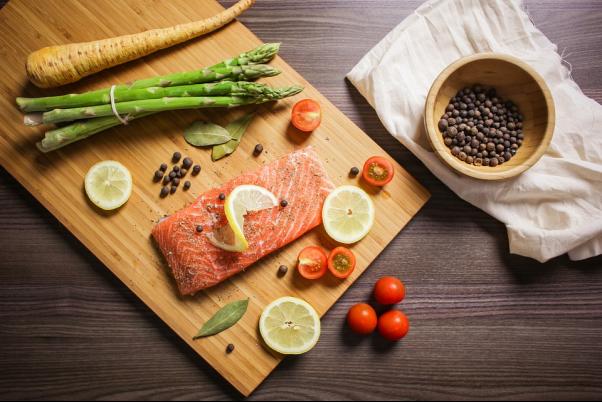 Mangiare sano carni bianche, rosse, verdure, legumi